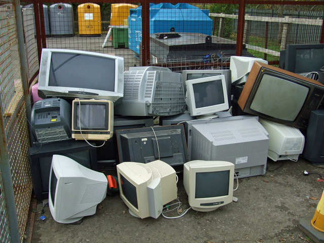 Completely Erase Data from Old Electronic Devices